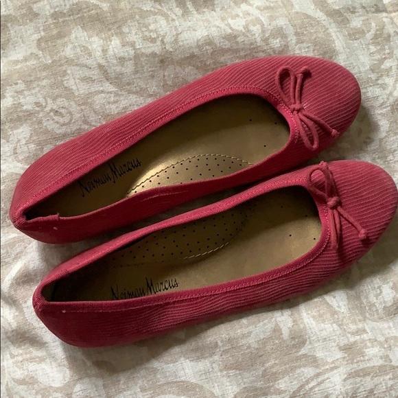 9b9f871beb6 Neiman Marcus Pink Flats ; Tory Burch Style